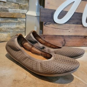 Clarks Unstructured Nubuck Leather Flats Untract S